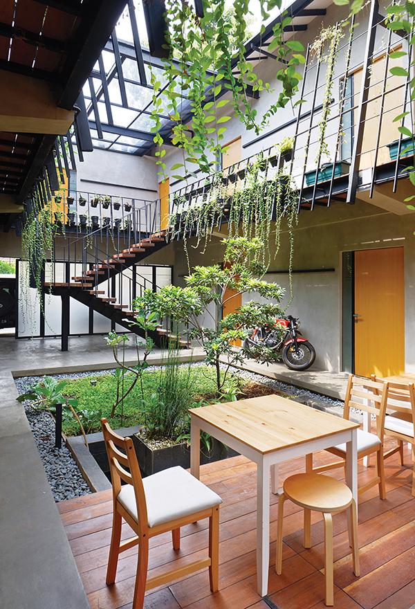 Beranda-House-by-sigit-kusumawijaya-_-architect---urbandesigner--copyright-photo-Ade---iDEA--154_14